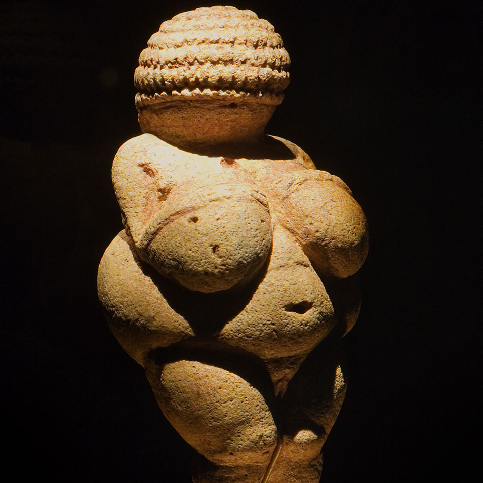 Willendorf Venus Natural History Museum, Vienna, Austria. © Jorge Royan / http://www.royan.com.ar / CC BY-SA 3.0