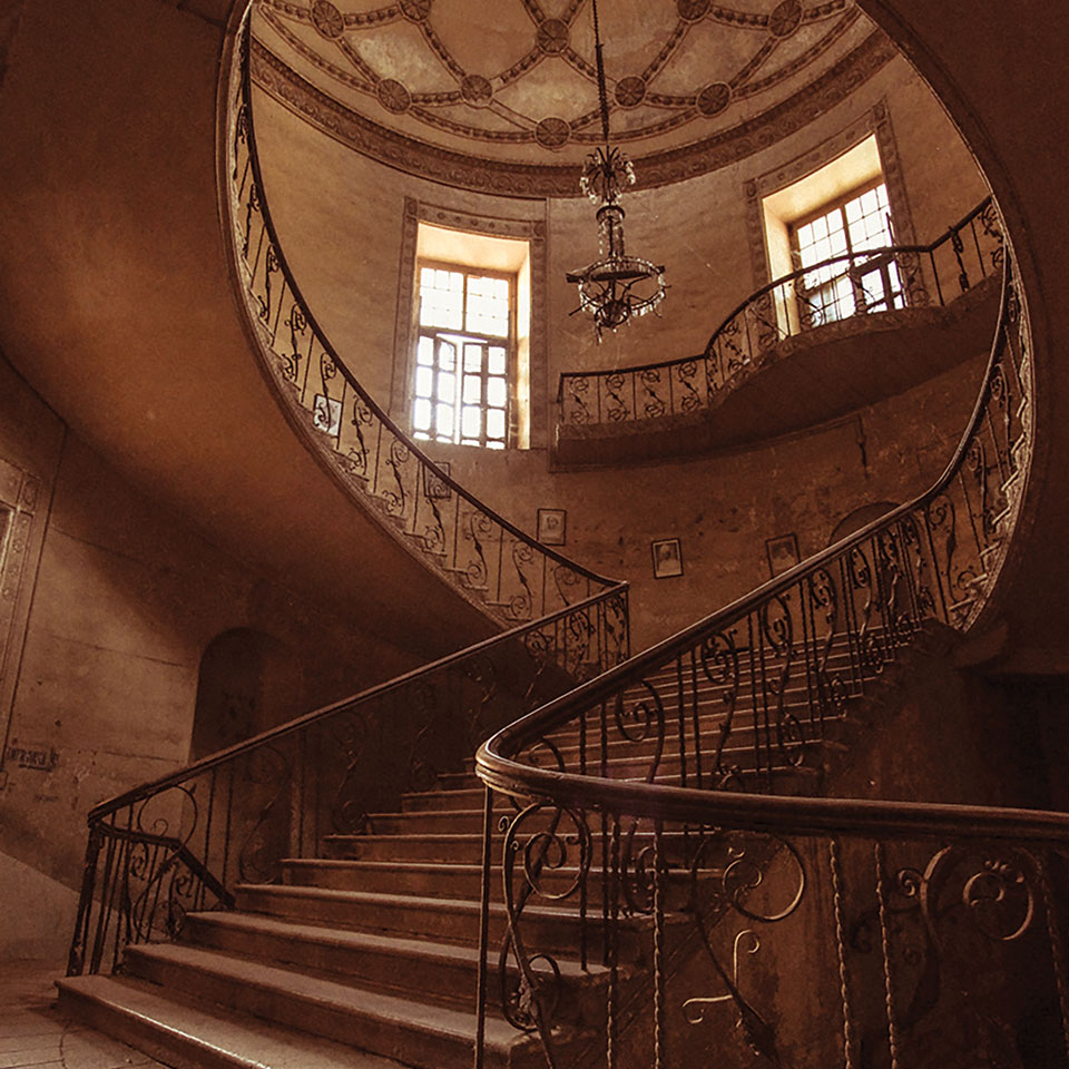 The abandoned British Residency in Hyderabad, India. Photo: kKshore Nagarigari