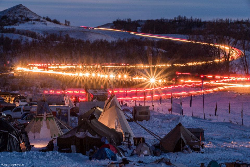 Vets Stream into Standing Rock. Photo: Joe Brusky/Flickr