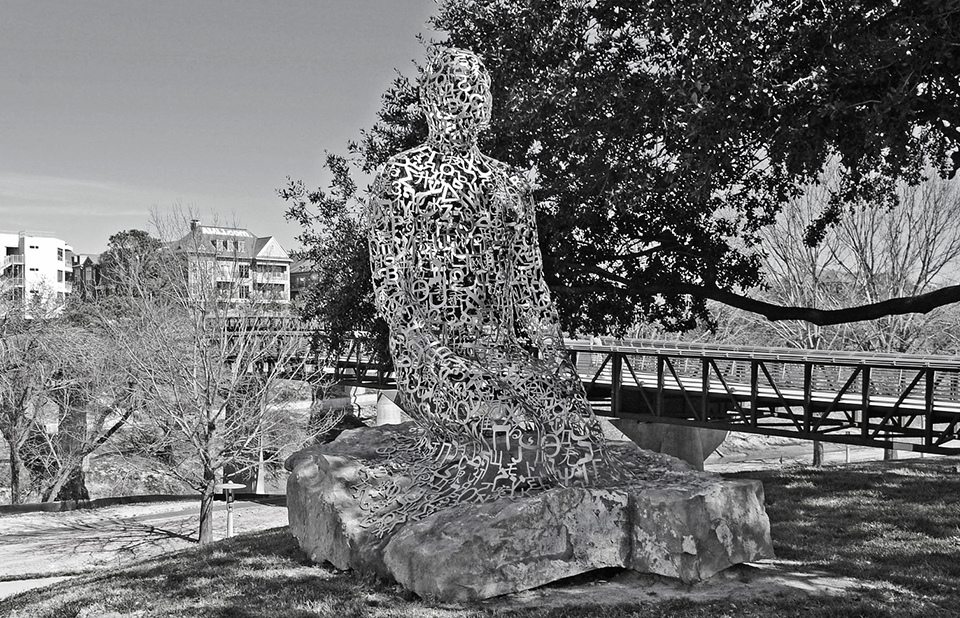 Jaume Plensa's Tolerance statue and Rosemont Pedestrian Bridge, Houston, Texas / Photo by Patrick Feller