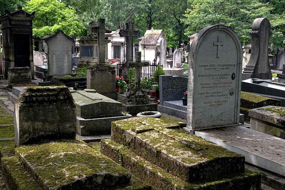 A photograph of a graveyard