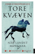 The cover to Når landet mørknar by Tore Kvæven