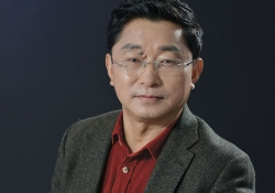 A photograph of Tibetan writer Alai