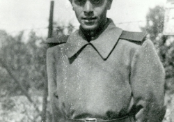 Samoylov as a soldier in the Red Army in the 1940s