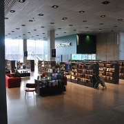 DOKK1 library in Aarhus, Denmark interior. Photo by Zorro2212/Wikimedia